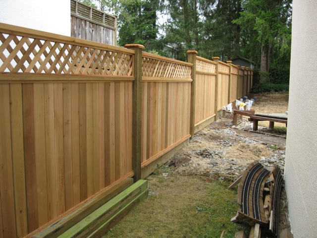 Lowe's vinyl privacy fence is very similar to that of Home Depot in both price and quality except they use a metal bracket instead of the plastic one used by Home Depot. They use 3 rails instead of two because the material of the panel itself is very thin requiring the additional support.