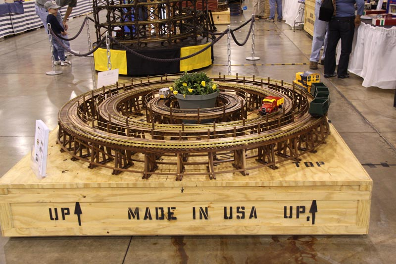 Trains Around The Christmas Tree Part - 44: ... Track And Trestle Configurations, Including Display Trestles And Test  Tracks. These Three Sizes Of Trestle U0026 Track Could Fit Around Your Christmas  Tree.
